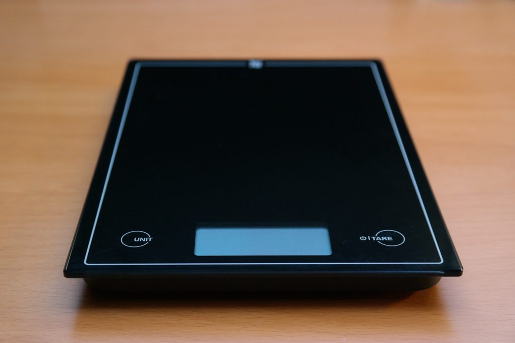 horizontal, kitchen scale, black